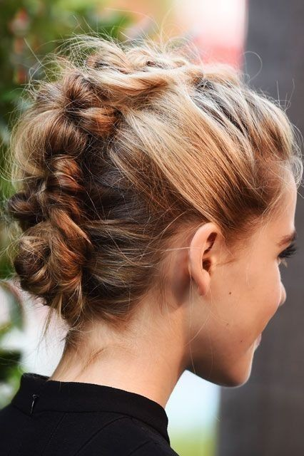 Hairstyles For Short Hair Double Crown : 10 Prom Hairstyle Designs for Short Hair: Prom Hairstyles 2017
