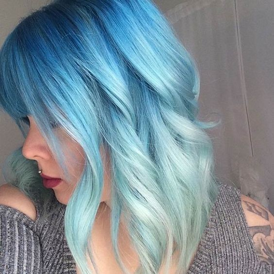 Blue Hairstyles for Shoulder Length Hair - Hair Color Ideas for Daring Women