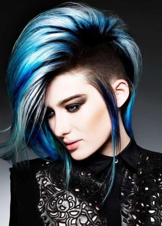 10 faszinierende blaue Frisuren und Farbideen