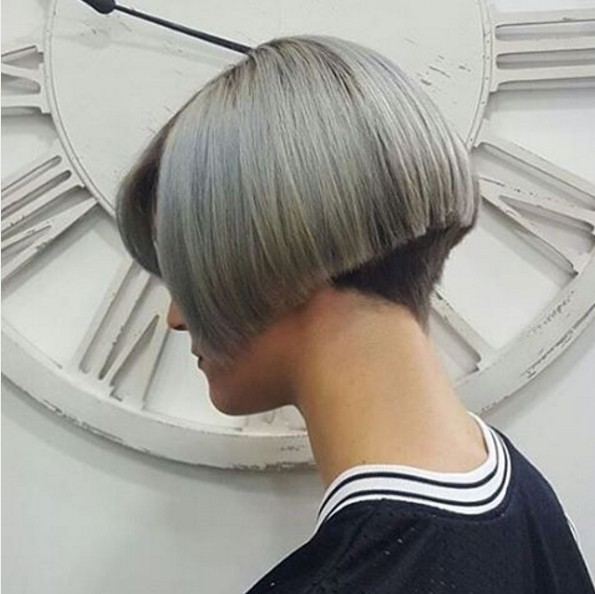 Short, Straight Bob Haircut - Blunt A-line Bob