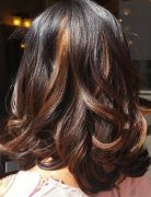 20 highlighted hairstyles for women 8