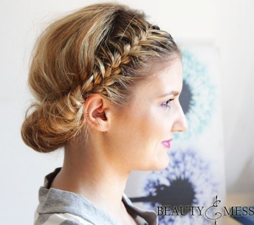 27 Trendige Hochsteckfrisuren für mittellanges Haar