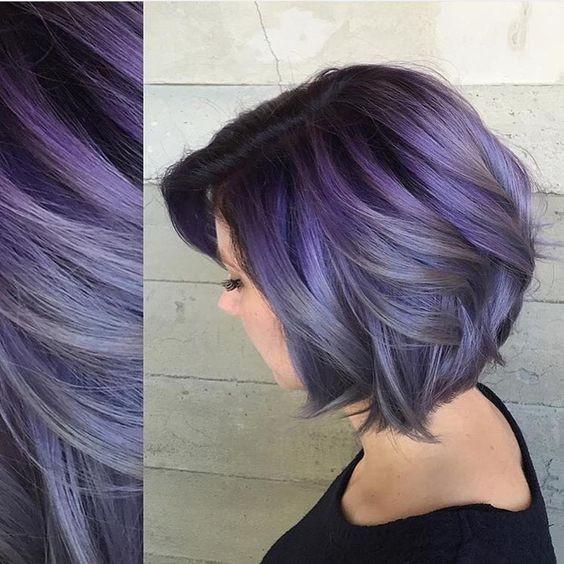 10 hübsche Pastell Haarfarbe Ideen mit blonden, silbernen, lila und rosa Highlights