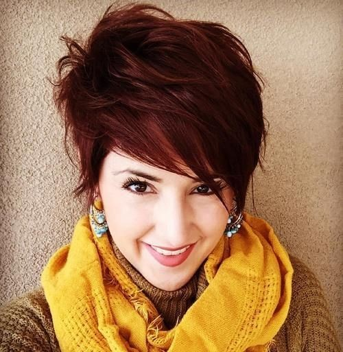 pretty-short-haircut-long-pixie-hairstyle-with-bangs