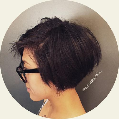 Short Graduated Bob for Brunette