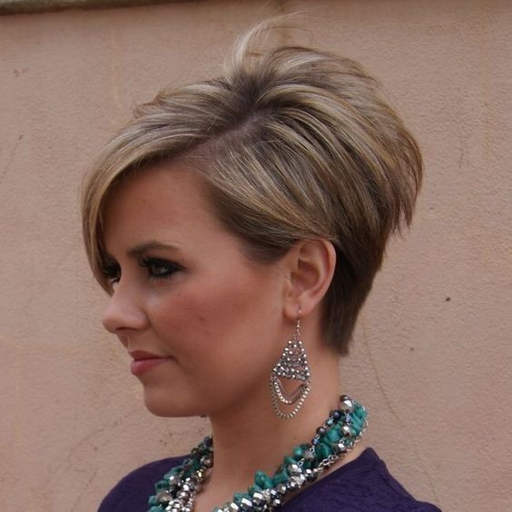 Cute Short Stacked Haircut - Easy, Balayage Pixie Hairstyles for Women