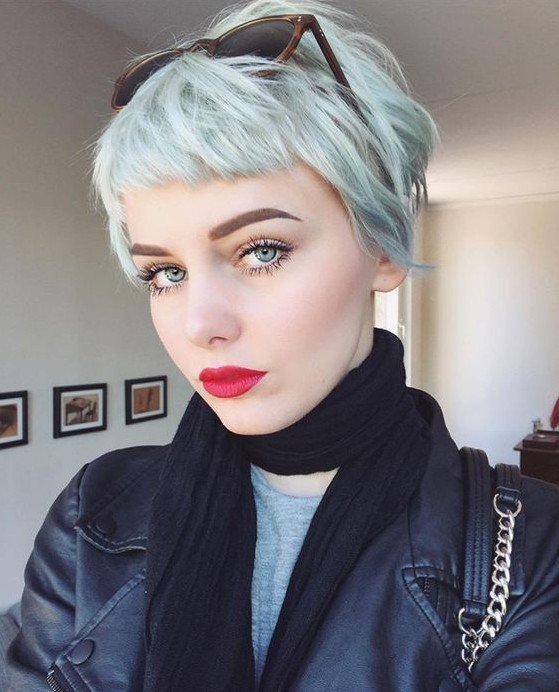 Lovely Pixie Haircut For Women And Girls Short Hair Color Ideas