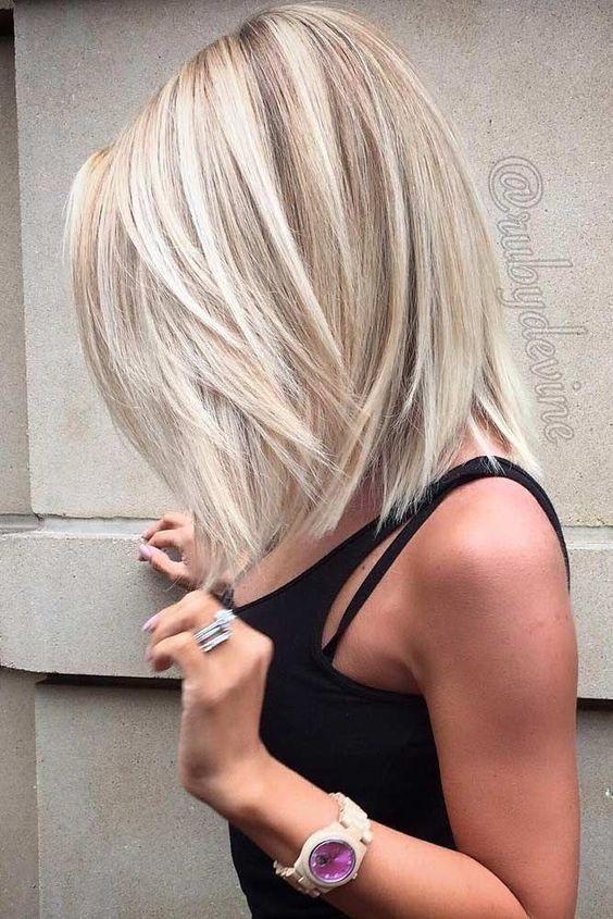 10 Winning Looks mit geschichteten Bob Frisuren: Frauen kurze Haare schneidet