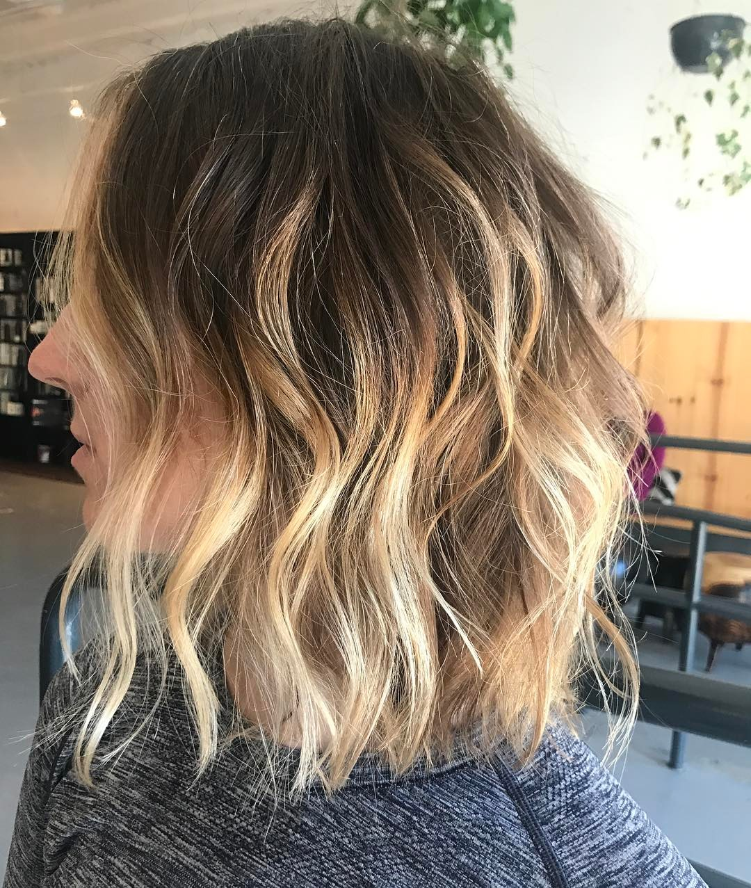 30 chic everyday hairstyles for shoulder length hair: medium