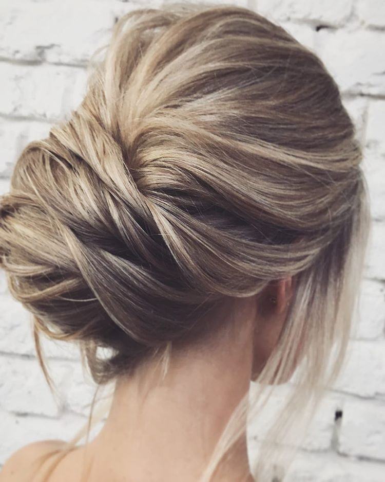 Easy And Pretty Chignon Buns Hairstyles You Ll Love To Try
