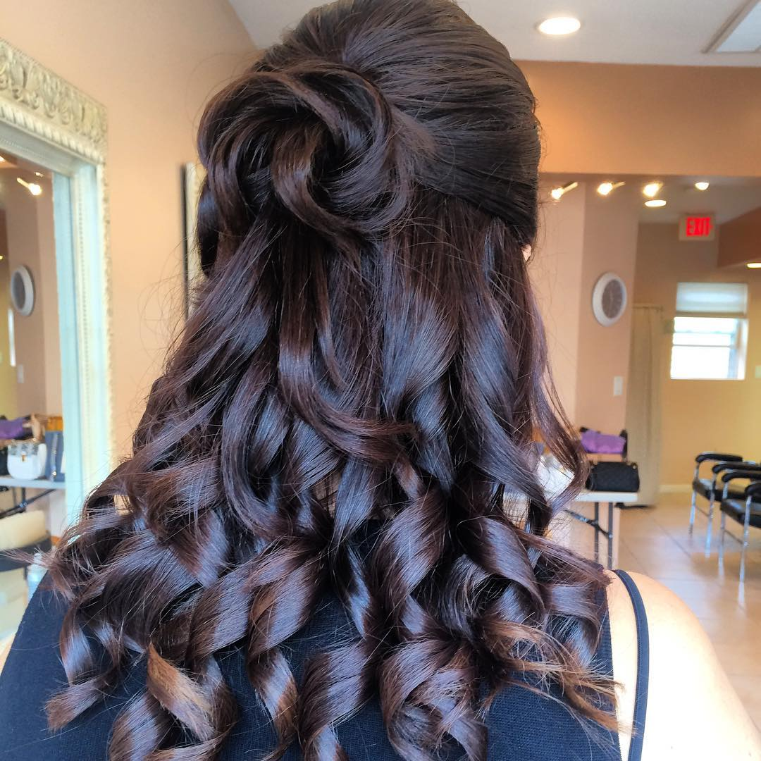 10 Cute, Cool, Messy & Elegant Hairstyles for Prom Looks ...
