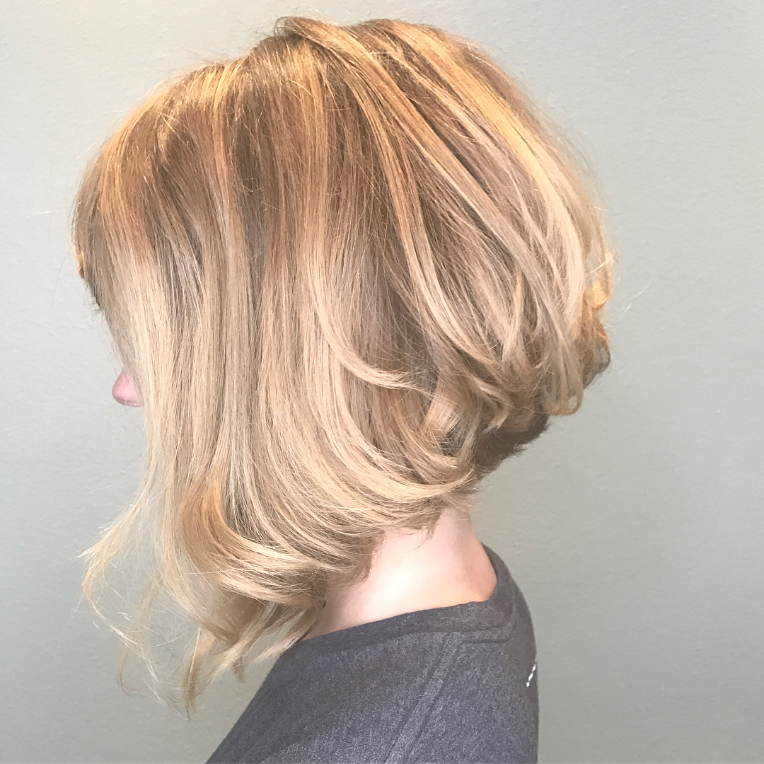 10 Beautiful Medium Bob Haircuts &Edgy Looks: Shoulder