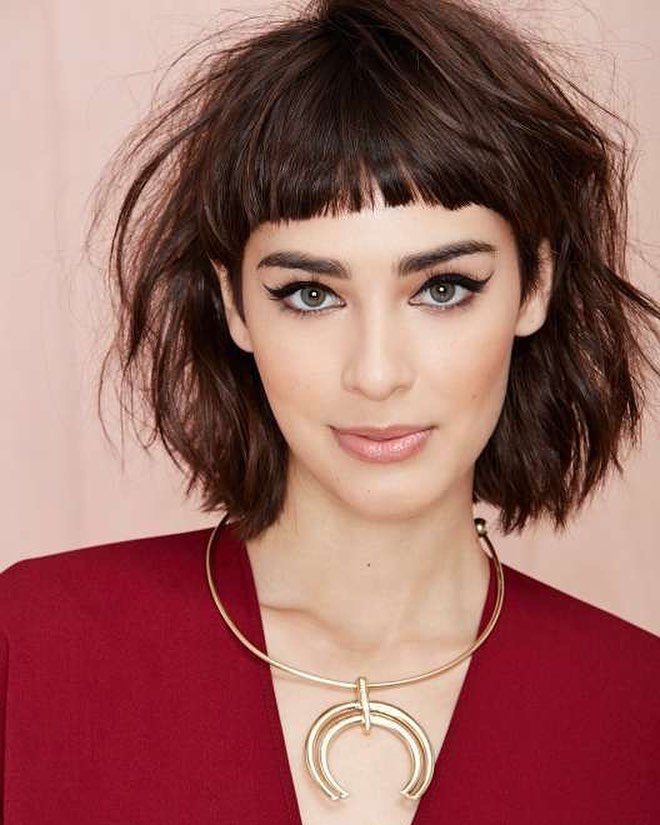 Beautiful Medium Bob Haircuts - Shoulder Length Hairstyle for Women