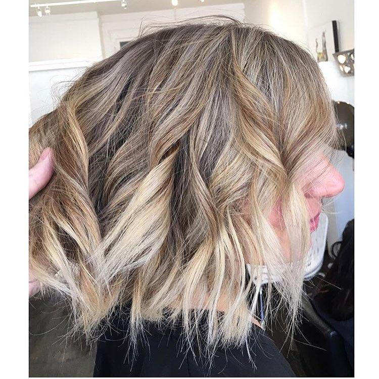 Stylish Wavy Lob Hair Styles - Shoulder Length Wavy Haircuts for Women, Girls