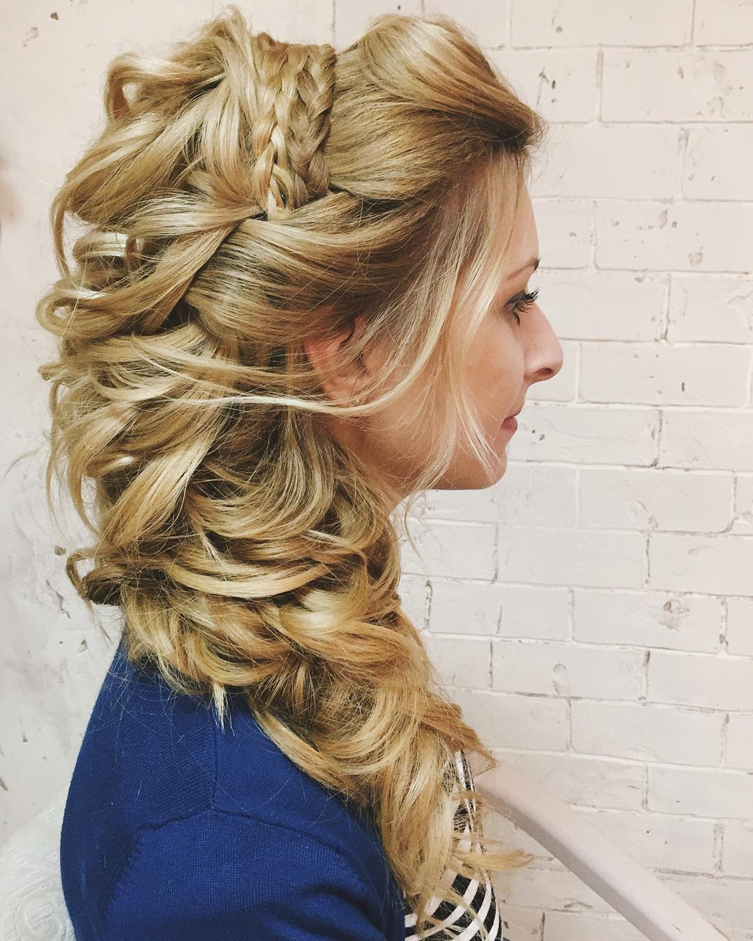 The Most Beautiful Hairstyles for Brides with Long Hair