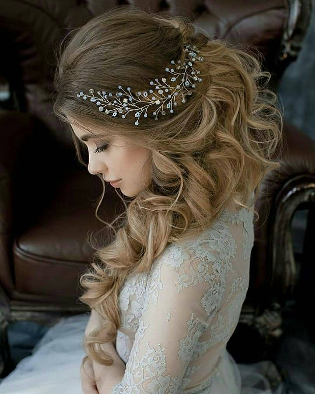 10 lavish wedding hairstyles for long hair wedding hairstyle ideas 2018. Black Bedroom Furniture Sets. Home Design Ideas