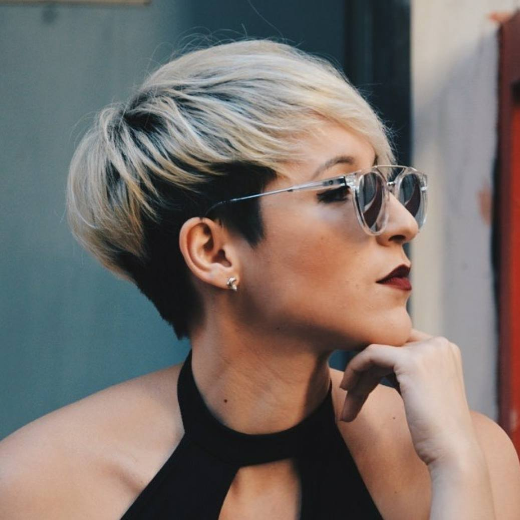 10 Trendy Short Hairstyles for Women Over 40 - crazyforus