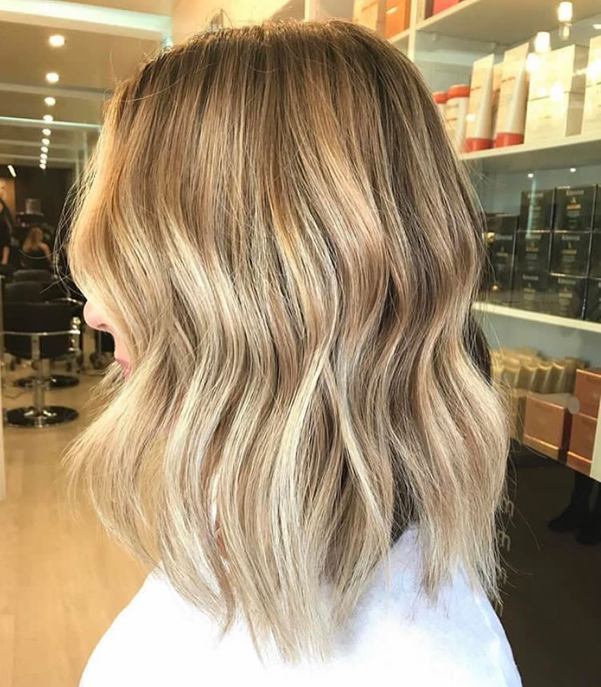 Everyday Medium Hairstyles for Thick Hair - Women Shoulder Length Haircut