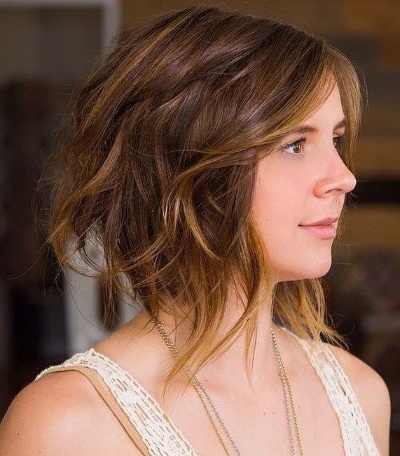 Shoulder haircuts for women