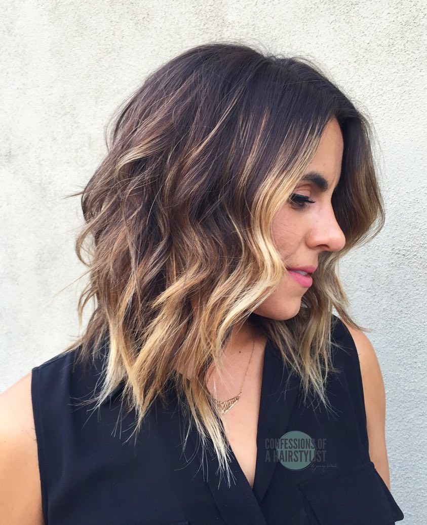 best shoulder length haircuts 10 wavy shoulder length hairstyles with edge top tips 1708
