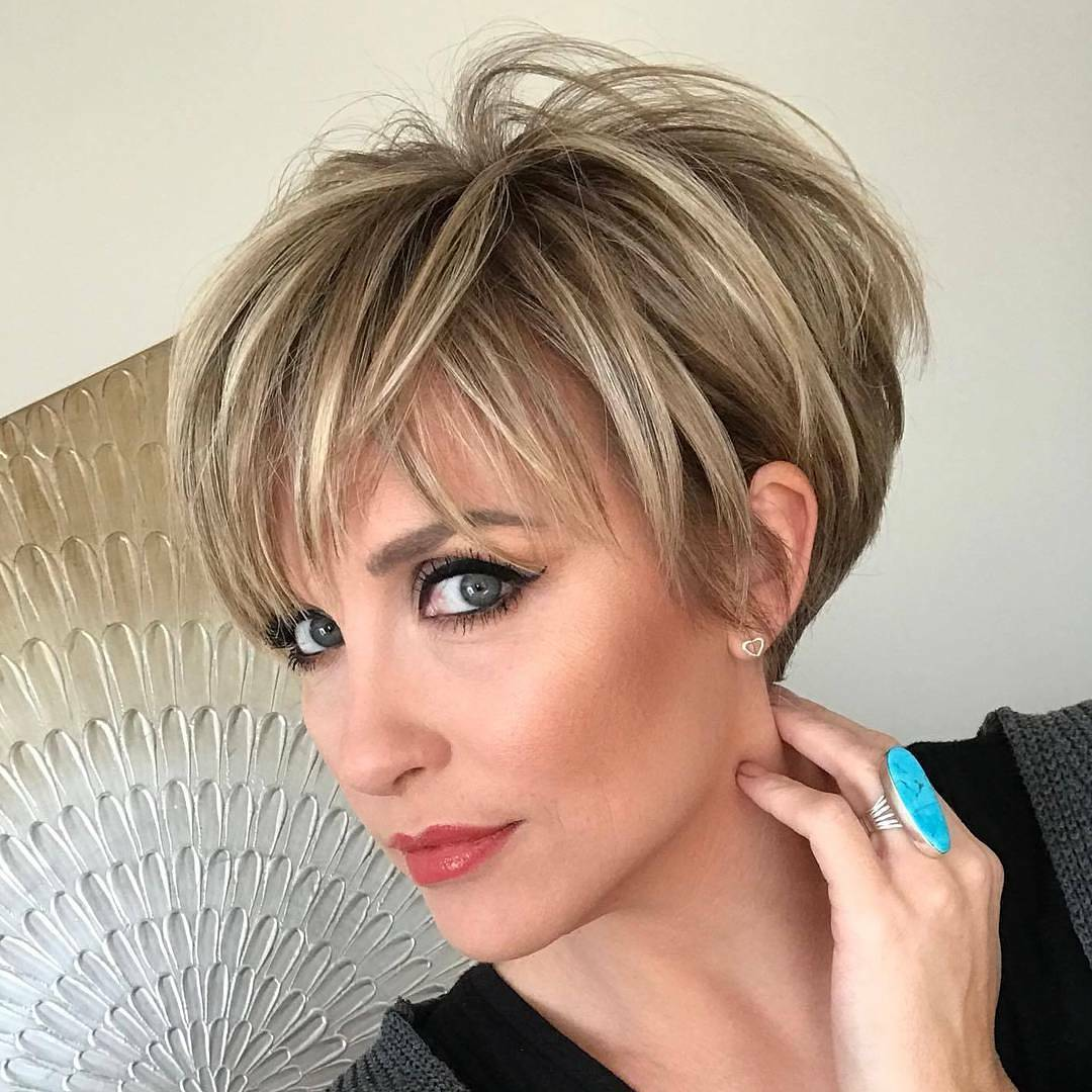 10 highly stylish short hairstyle for women 2019