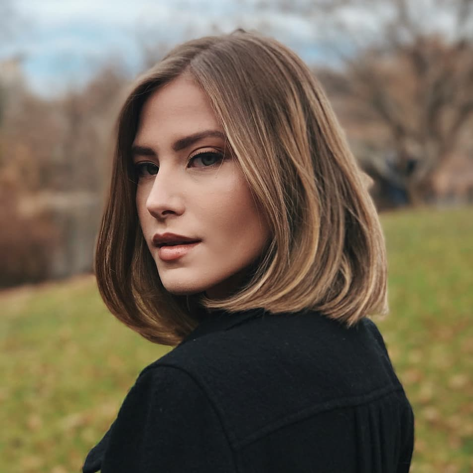 classic shoulder length haircut for women, best medium hairstyles