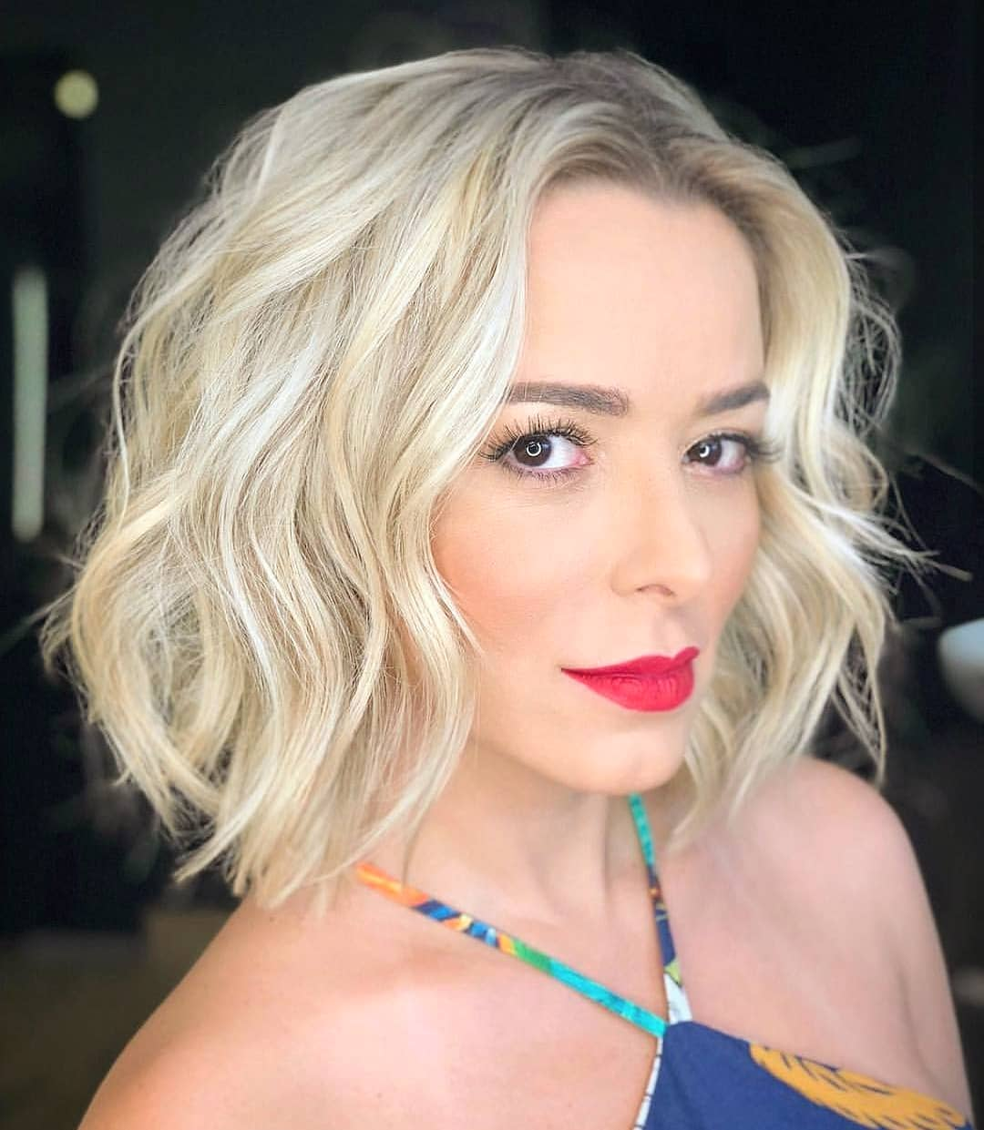 Classic Shoulder Length Haircut for Women, Best Medium Hairstyles Designs