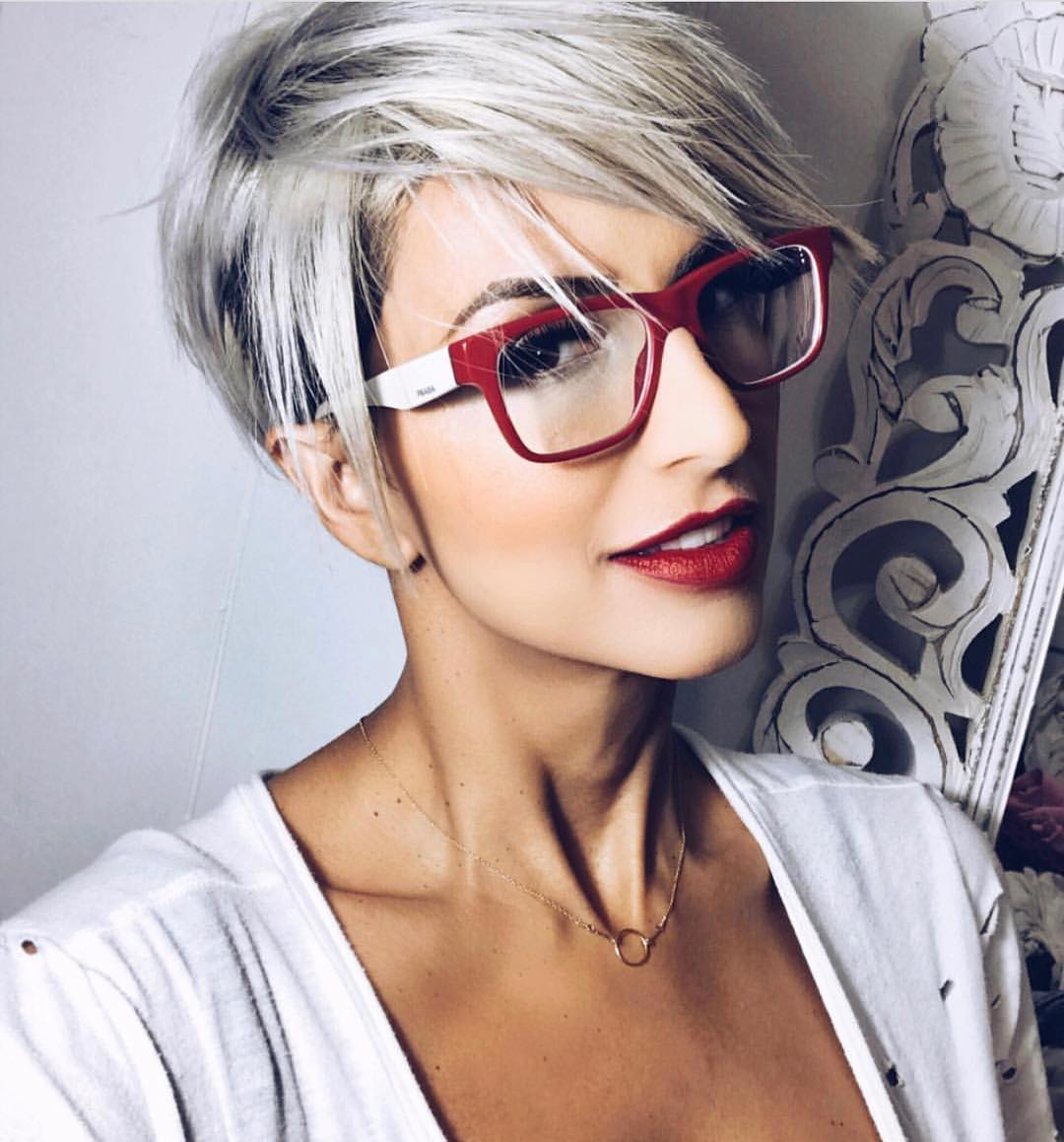 Hottest Short Pixie Haircuts, Undercut for Women Short Hair