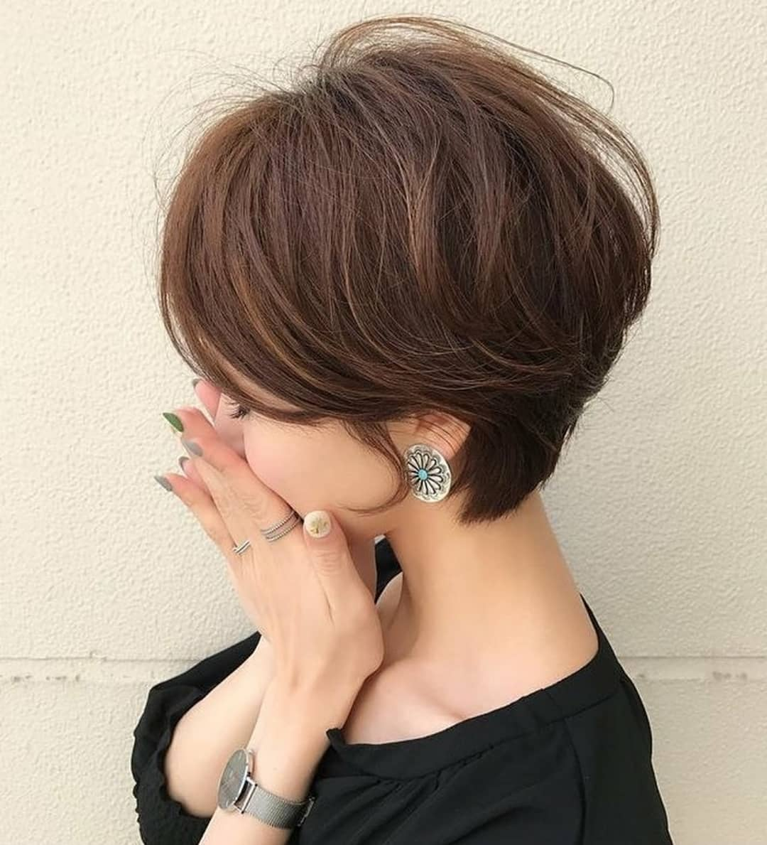 Cute Short Hairstyles and Haircuts for Young Girl