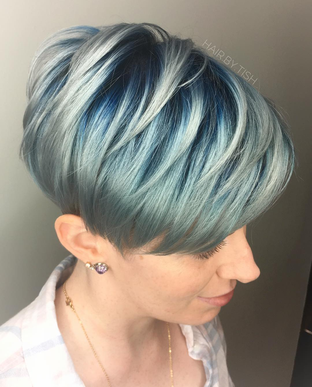 Short Hair Color for Female Fashion Fans - Woman Fashion Trends