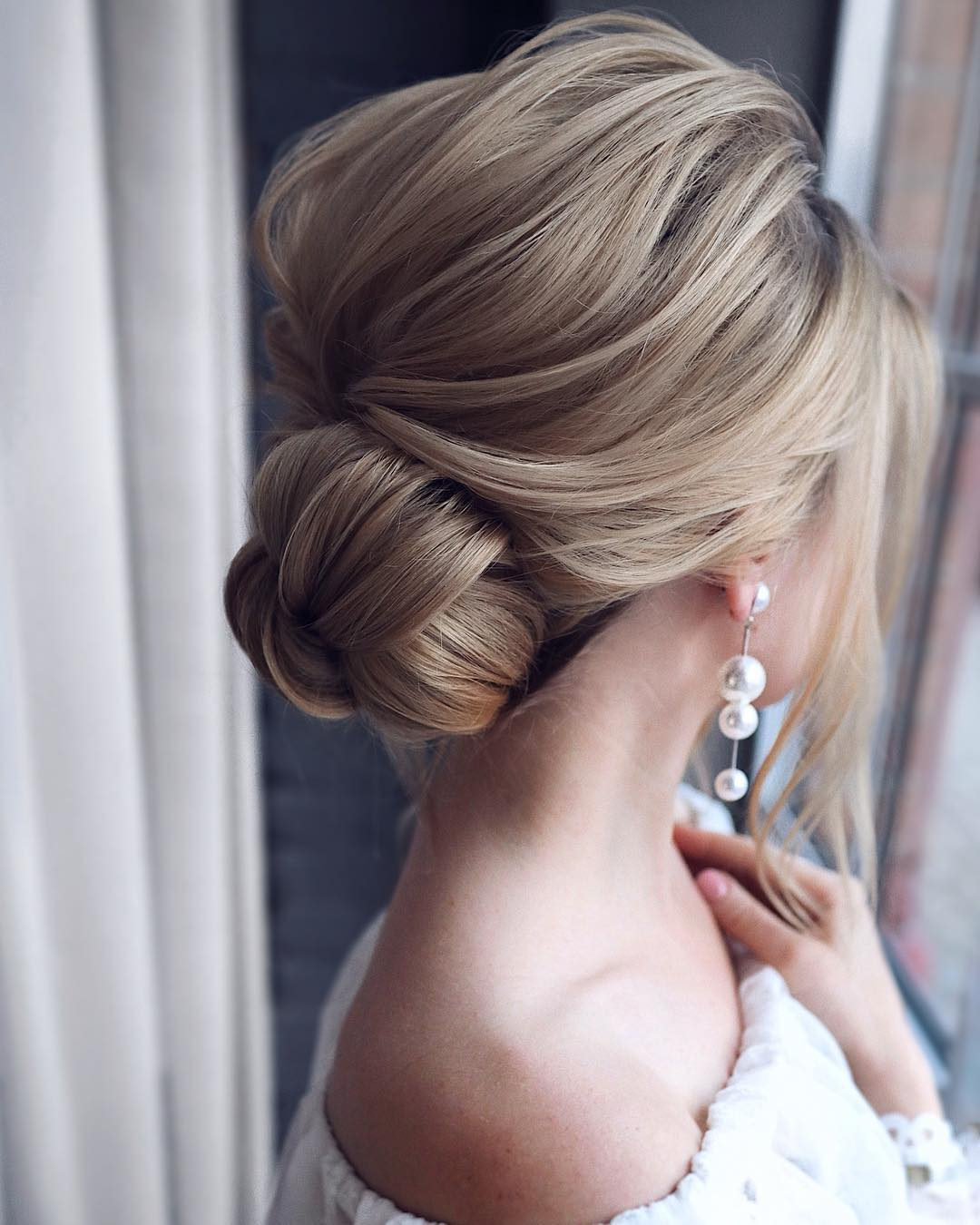 10 Updos For Medium Length Hair