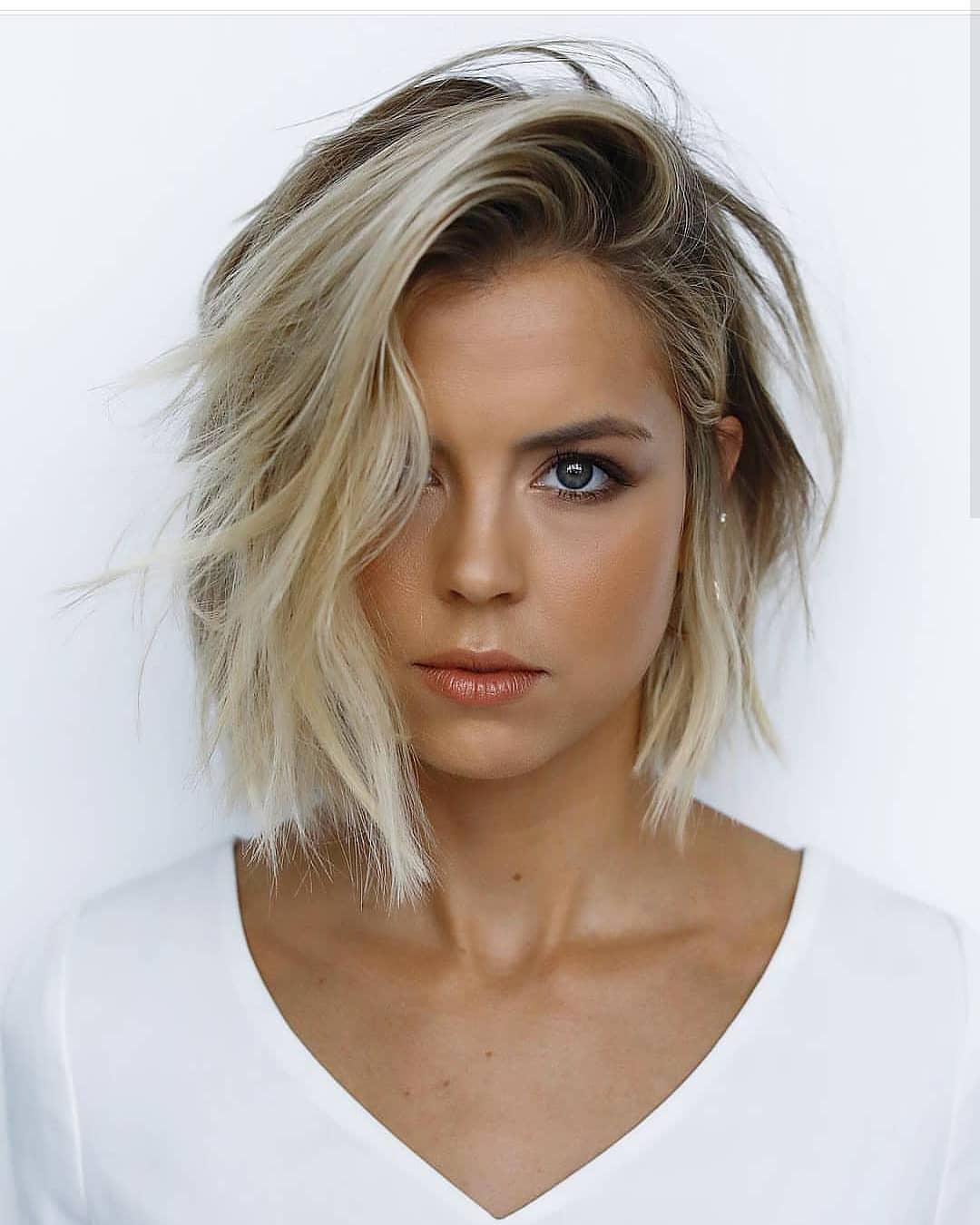 Casual Short Hairstyles - Modern Short Haircut Ideas for Women