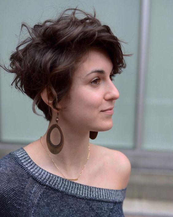 Stylish Messy Short Hairstyle Ideas - Women Short Haircut