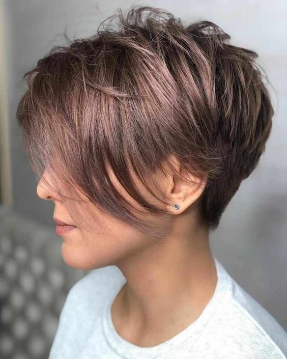 Stylish Easy Pixie Haircut for Women - Cute Short Hairstyle Ideas