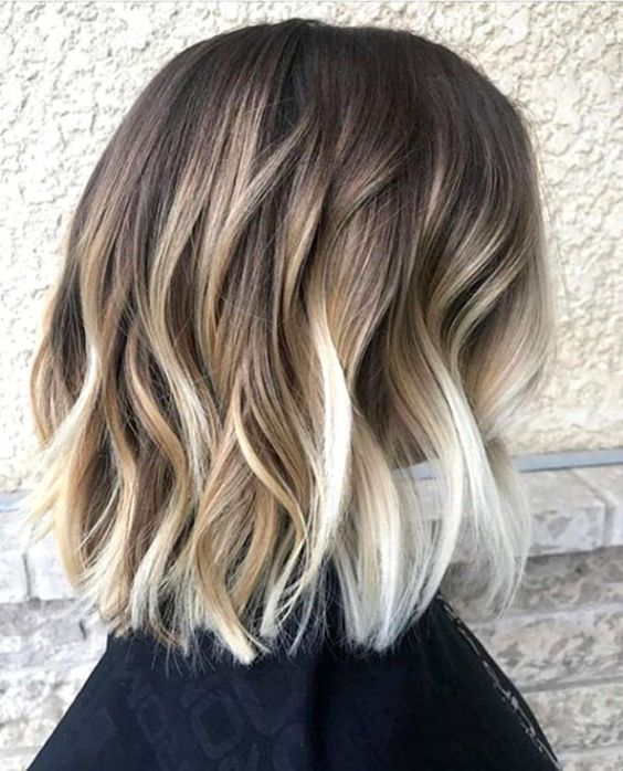 10 Balayage Short Hairstyles With Tons Of Texture Short Hair Color Ideas 2021