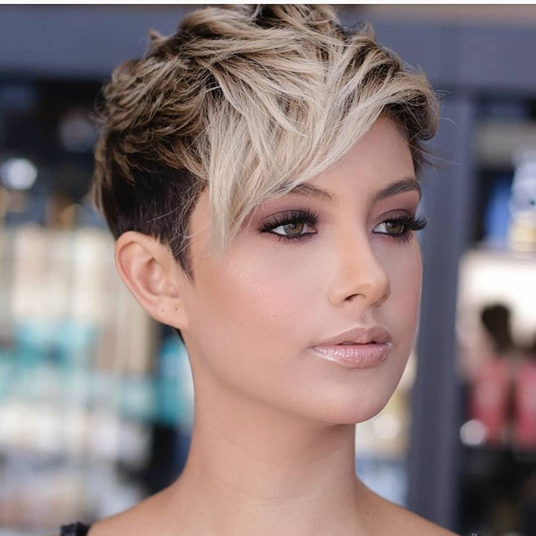 Best Pixie Haircut, and Short Hair Ideas for Female - Short Pixie Hairstyle