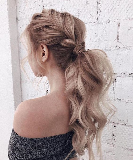 10 Pretty Easy Prom Hairstyles for Long Hair - Prom Long ...