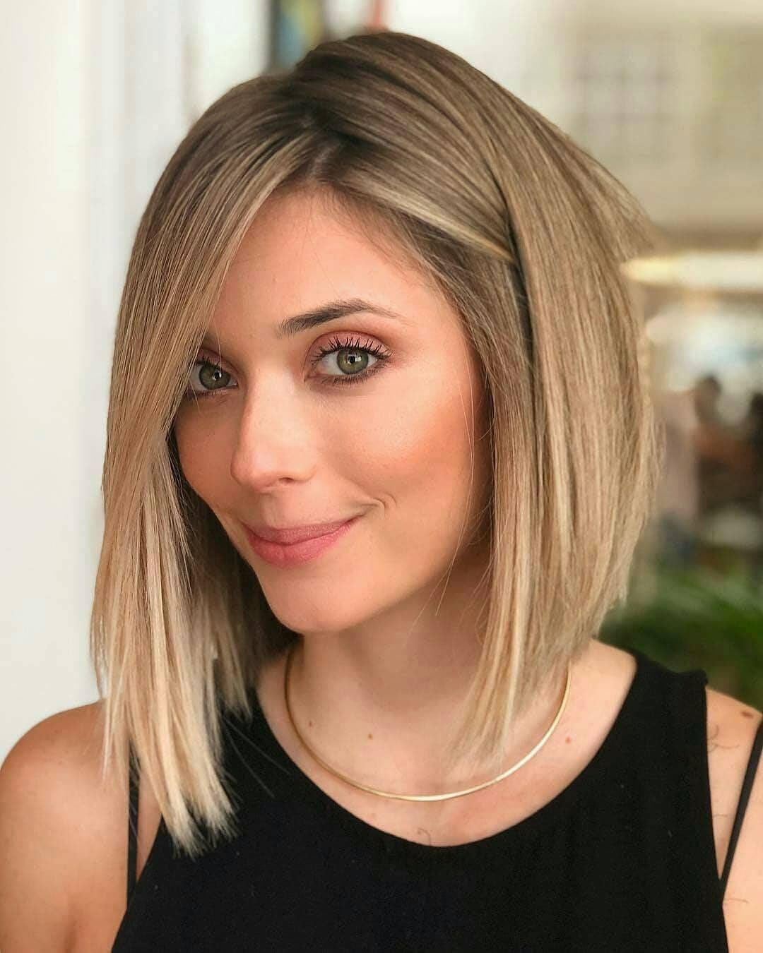 Chic and Stylish Straight Bob Hairstyle Ideas - Bob Hair Colors To Look Special