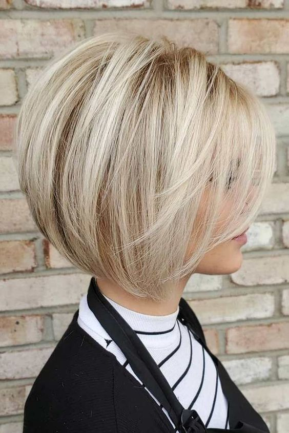 10 Trendy Straight Bob Hairstyles for Women - Straight