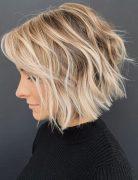 Latest Wavy Bob Haircuts Women - Short Bob Hairstyles