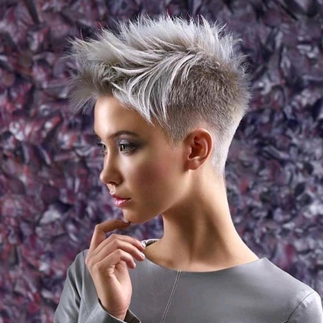 10 Easy Everyday Hairstyles for Short Straight Hair - Pixie Haircut 2020 - 2021