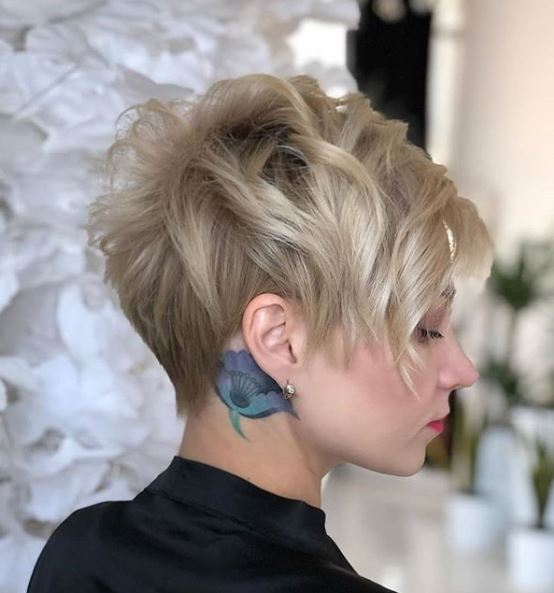 Office Short Hairstyle Ideas for Women - Office Short Haircut Trends