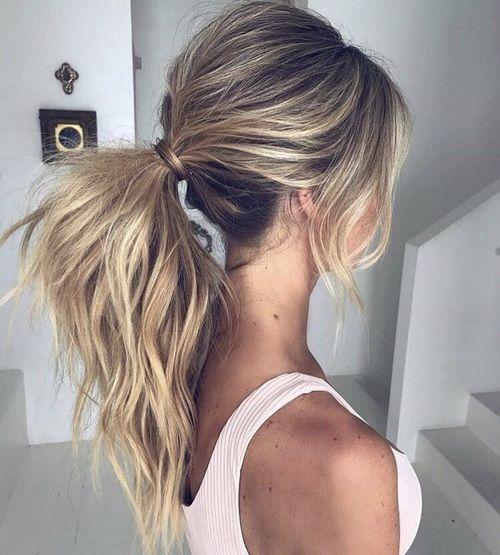 Hübsche Pferdeschwanz-Frisur für langes Haar - Pferdeschwanz-lange Frisur