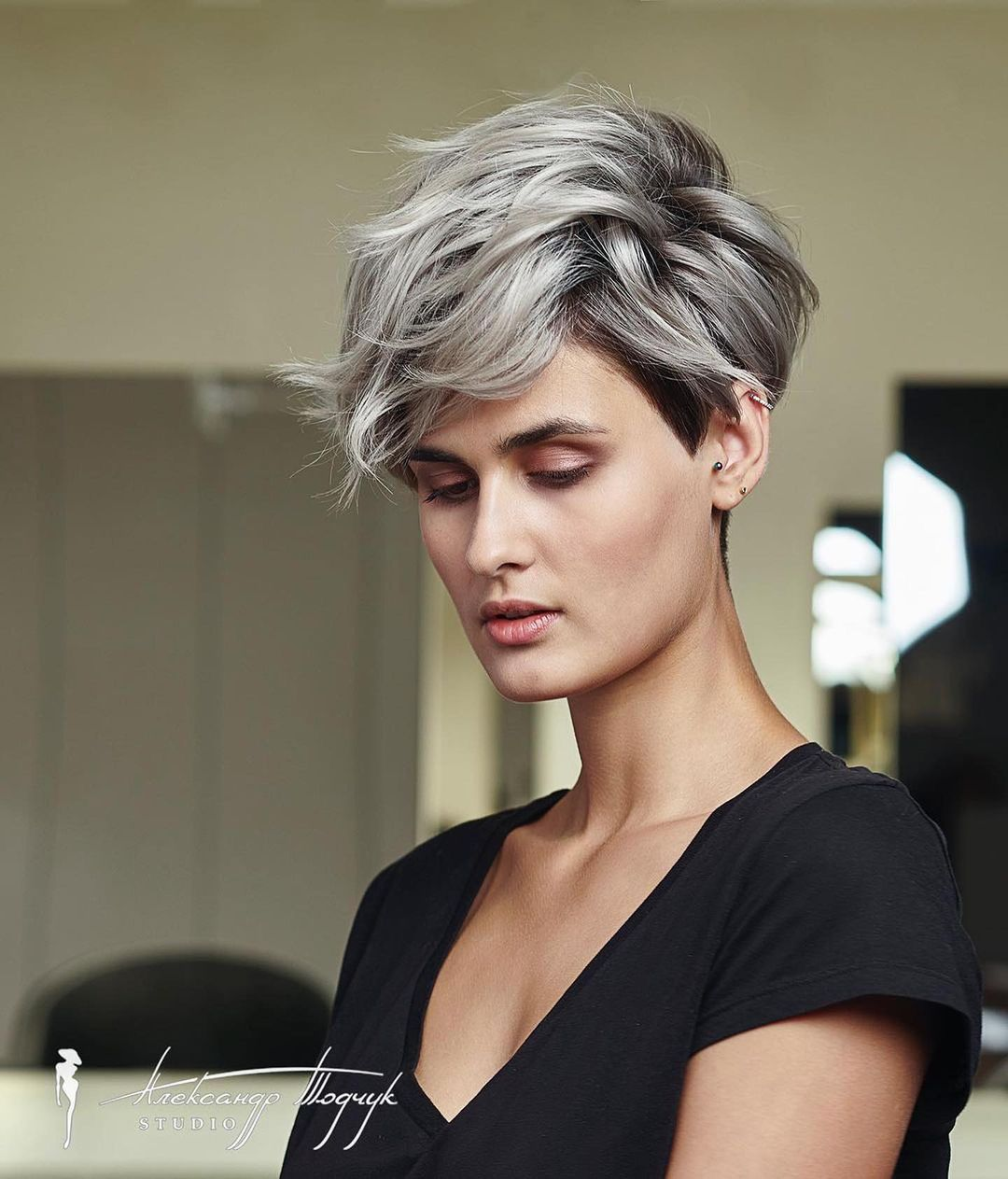 Stylish Short Pixie Cut and Color 2021 - Women Short Haircut Idea 2021 - PoPular Haircuts