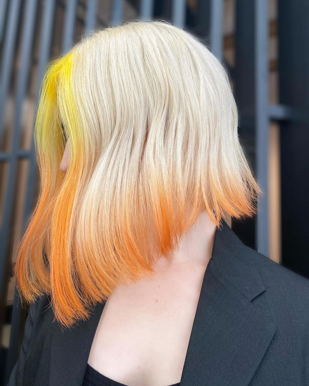 10 Lob Hairstyles & Haircuts with Radical Color Designs