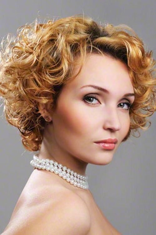 15 Curly Hairstyles For 2021 Flattering New Styles For Everyone Popular Haircuts