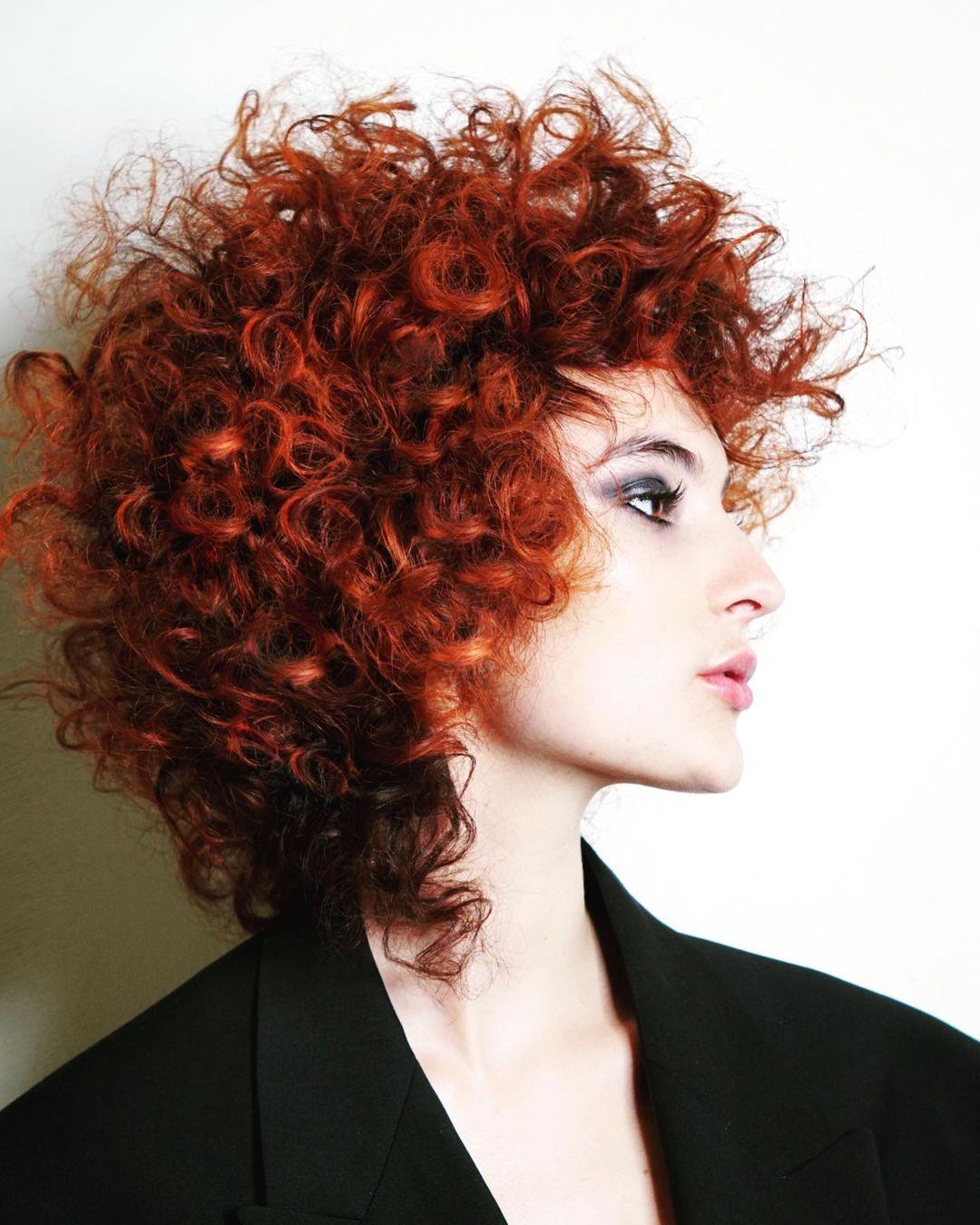 Einfache Alltagsfrisuren für mittellanges Haar - Mittlere Frisur mit Farbideen 2021 -2022