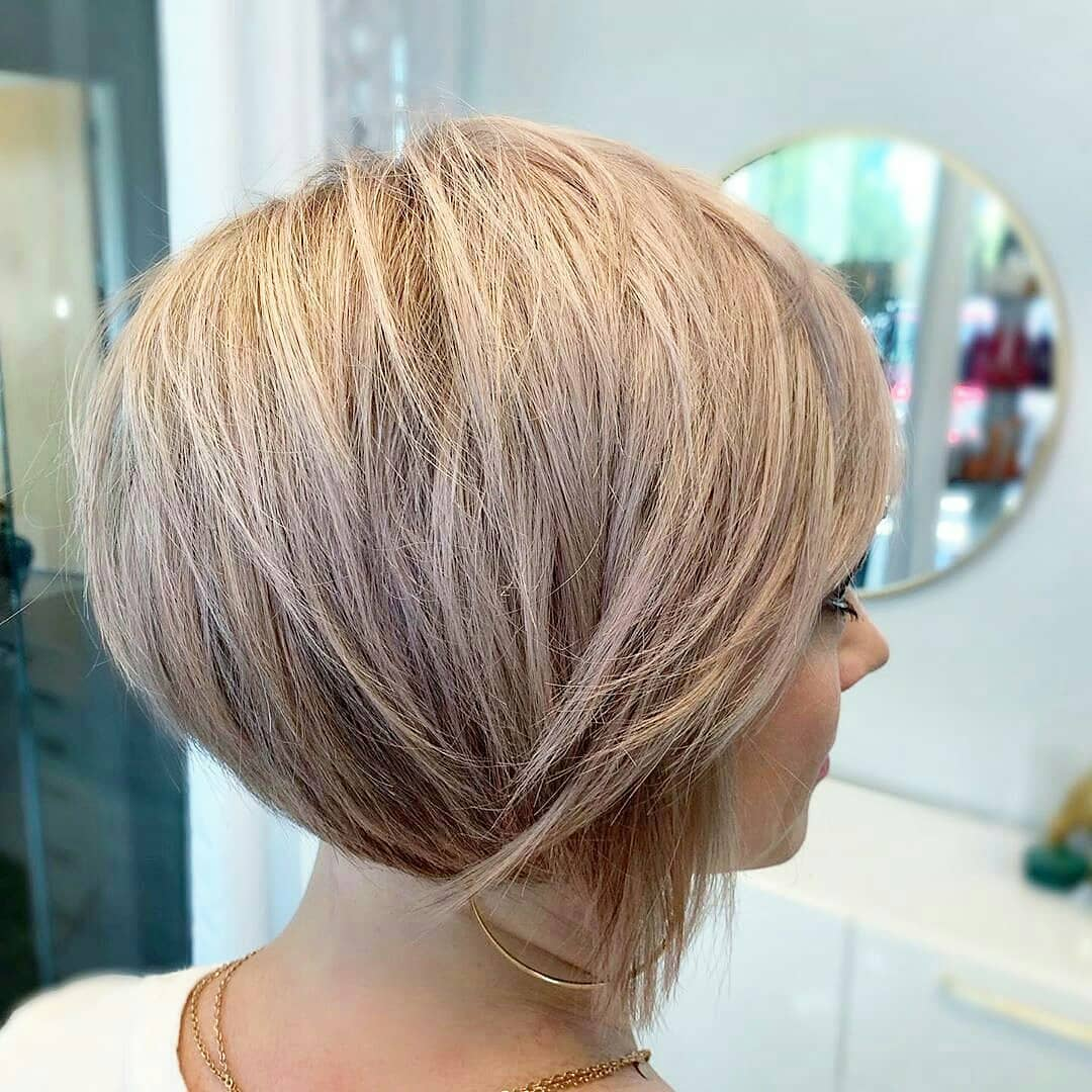 Stylish Short Bob Haircut Ideas for Women - Easy Short Straight Hairstyle and Color 2021 - 2022