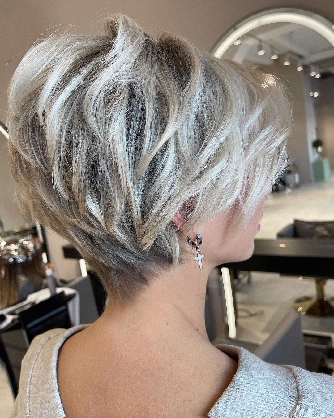 Stylish Short Haircuts and Short Hair Styles for Women 2021- 2022