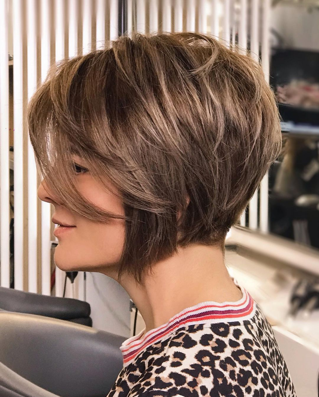 Stylish Short Haircuts for Thick Hair - Cute Short Hairstyles for Women